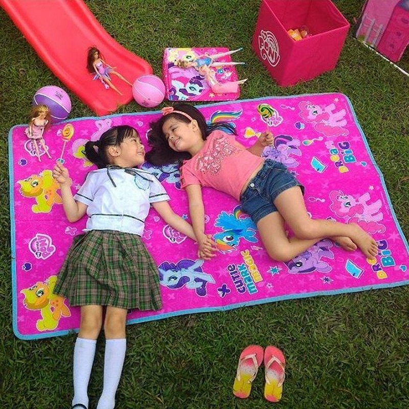 PHOTOS: Bonding moments of Xia and Yesha on the set of Langit Lupa