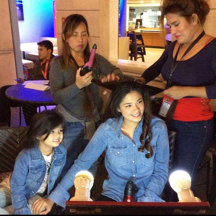 On the set of Langit Lupa: Off cam bonding moments of Yam and Xia